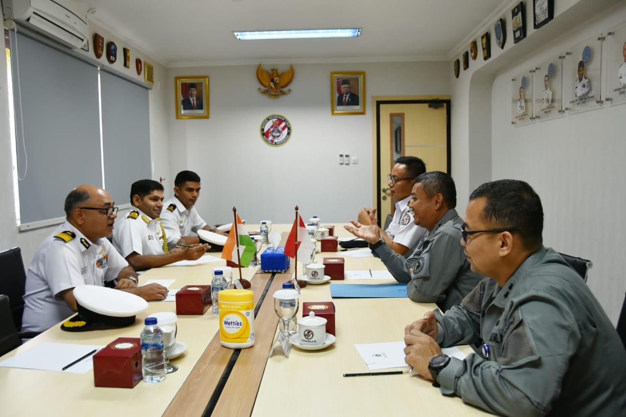 Kepala Bakamla RI Menerima Courtesy Call Komandan Indian Coast Guard Ship Shaurya