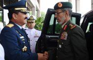 Berita Foto: Panglima TNI Terima Kunjungan Kehormatan  Panglima Angkatan Bersenjata Uni Emirat Arab