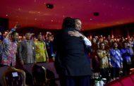 Makna Rangkulan Presiden Jokowi dan Surya Paloh