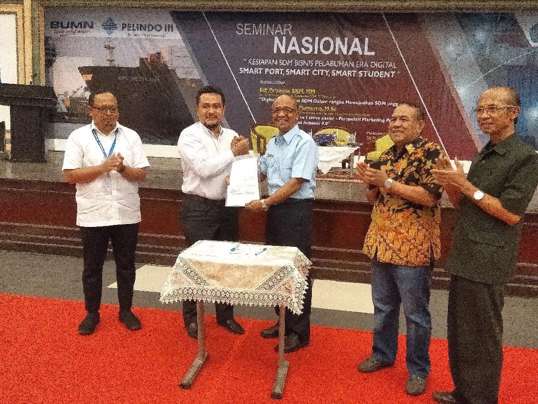 Seminar Nasional Digitalisasi Awali Kerjasama STIAMAK dan STIMARYO