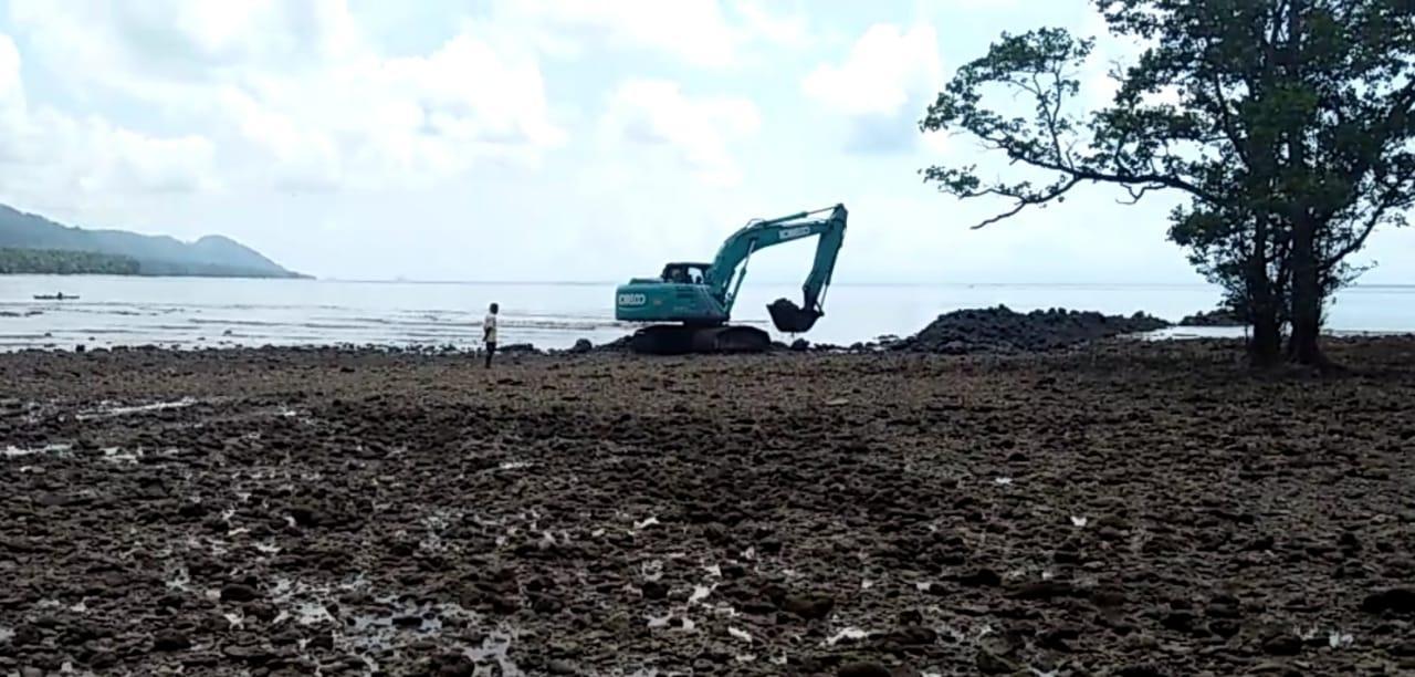 Sering Laka Laut, Warga Desa Buya Bangun Dermaga Darurat