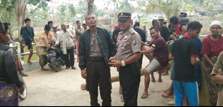 Polisi di Pamekasan Lakukan Mediasi, Warga Tuntut Keadilan Pengaspalan Jalan Desa