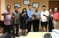 Terima Kunjungan Mahasiswa Singapore, Jamhadi Promosikan Wisata dan Produk Jatim