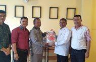 Ketua DPC PDI-P Sergai H Darma Wijaya Serahkan Bantuan Kepada Dharma Foundation