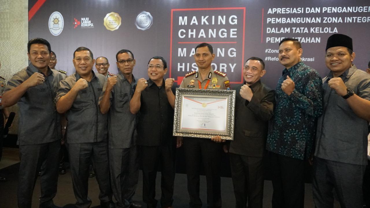 Sukses Polresta Sidoarjo Pertahankan Predikat WBBM, Terima Penghargaan dari Menteri PANRB