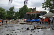 Hujan Disertai Angin Kencang Porandakan Pedagang Taman Pancasila