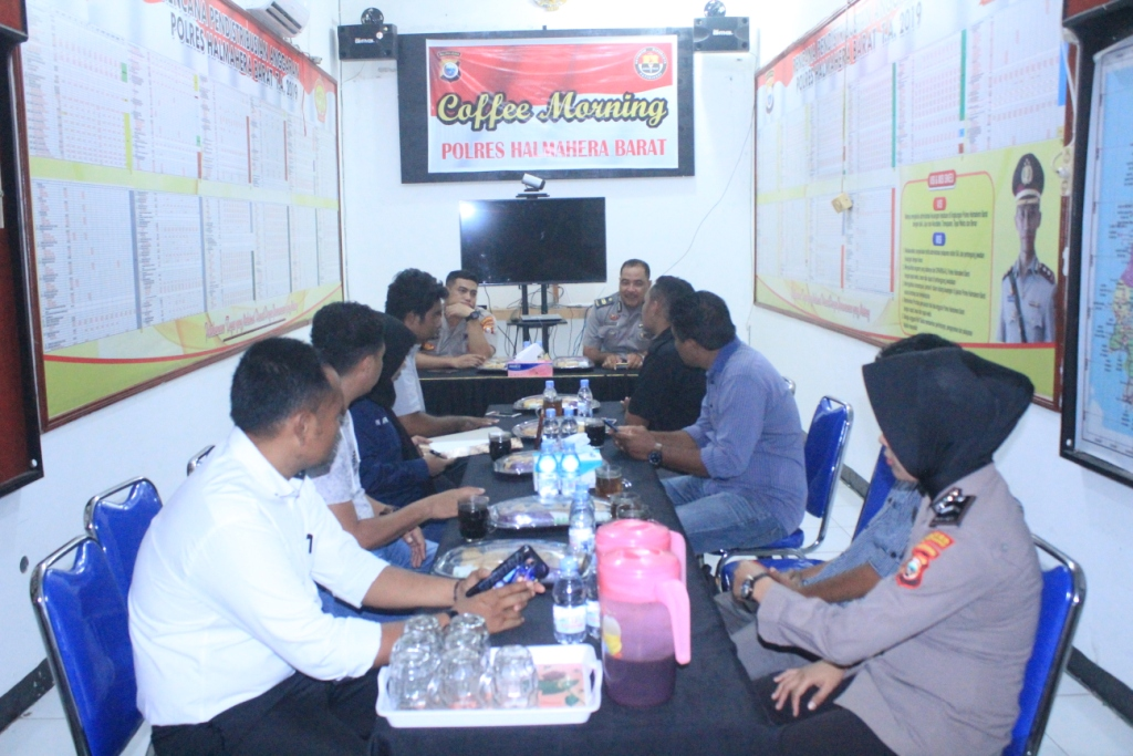 Jalin Kemitraan, Polres Halbar Coffie Morning bareng Awak Media