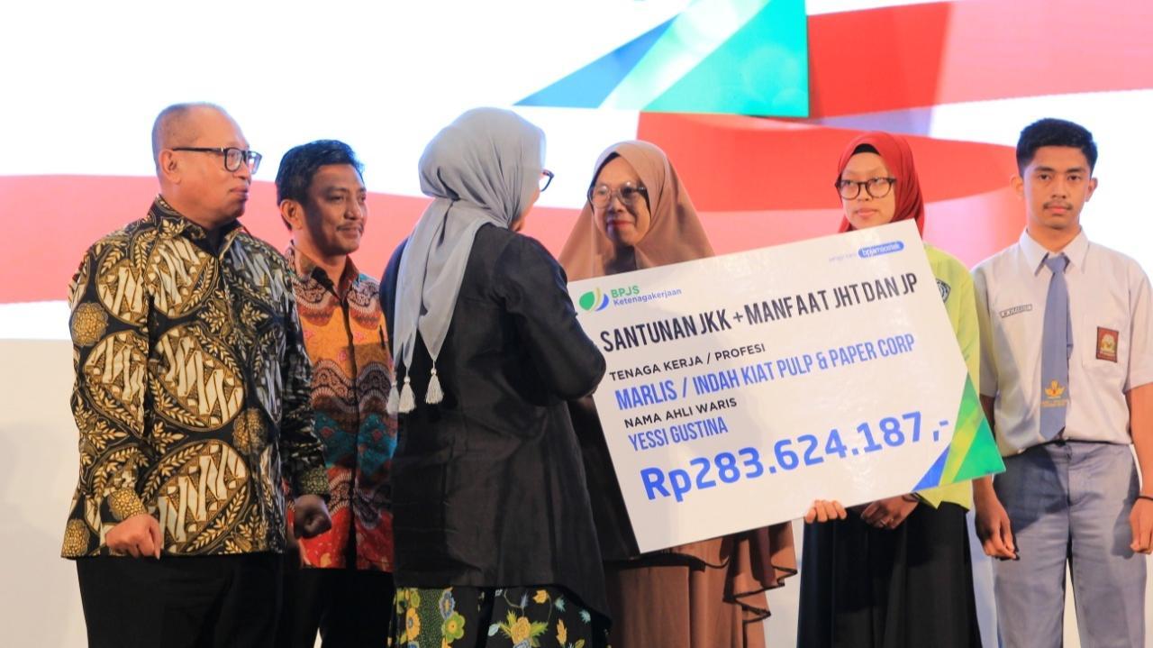Kado Spesial Dari Jokowi Untuk Pekerja Indonesia