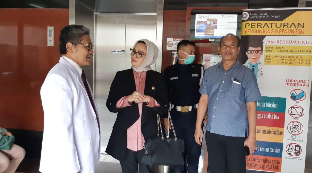 Lucy Kurniasari saat meninjau Rumah Sakit Airlangga Surabaya