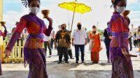 Ketua DPD RI ditemani sejumlah Senator dan Wakil Gubernur Kalbar, Ria Norsan saat berkunjung ke Istana Kadriah Kesultanan Pontianak, Minggu (13/6)