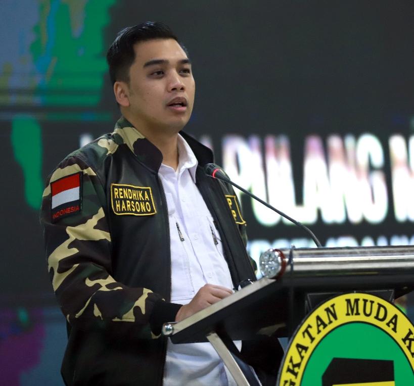 Ketua umum Angkatan Muda Ka'bah
